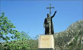 Monumento a Pelayo. /Foto: asturiasenimagenes.com.