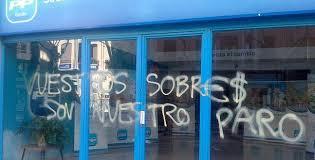 Pintada en la sede del PP. /Foto: lasprovincias.es.