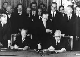 Konrad Adenauer y Charles de Gaulle. /Foto: ramblalibre.com.