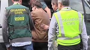 Entregándose para estar en una cárcel española. /Foto: RTVE.es.