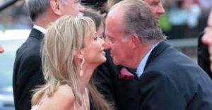 Juan Carlos con su barragana Corinna. /Foto: publico.es.