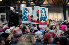 El feminismo lésbico, reivindicando el hijab. /Foto: eldiario.es.