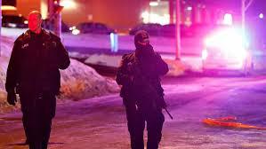 Policía en los alrededores de la Mezquita. /Foto: RTVE.es.