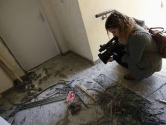 Destrozos donde fue detenido uno de los terroristas islámicos.