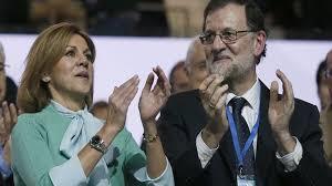 María Dolores de Cospedal y Mariano Rajoy en el 18 Congreso. /Foto: Telecinco.es.