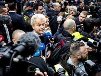 Geert Wilders, ante los medios de comunicación.