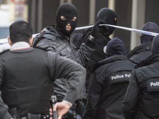 Policías en el lugar de la detención. /Foto: elconfidencial.com.